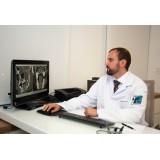Médico para Operação de Tireoide